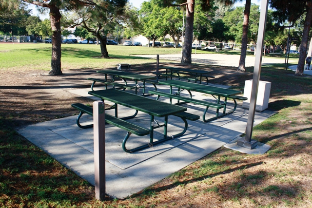 Rossmoor Community Services District Picnic Reservations - Playground picnic table